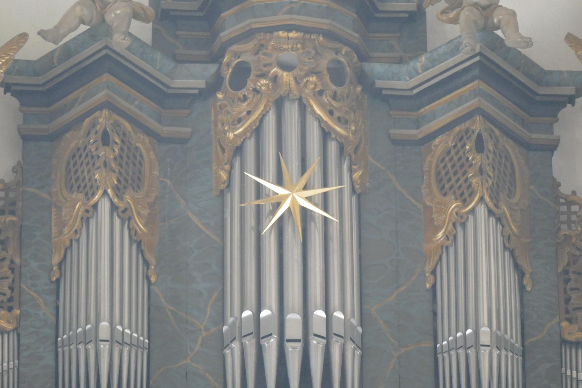 Katholische Kirche - Domgemeinde St  Peter, Fritzlar